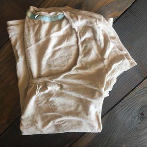 Boden linen cotton tee | pintuck scoop neck